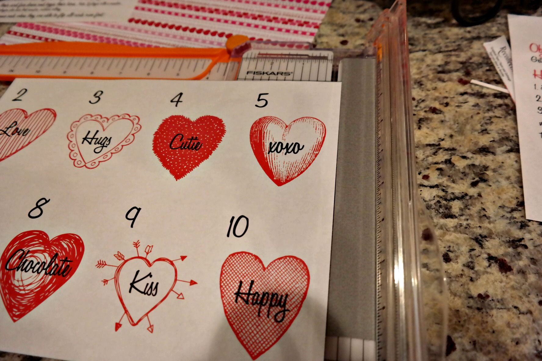 Valentines Day rendition on the addicting game SNAKE EYES! Free printables!